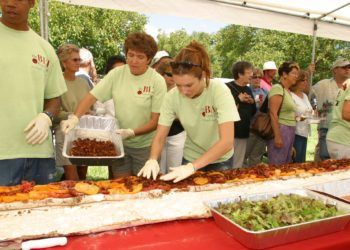 Participants at the World's Biggest BLT Celebration